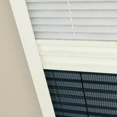 moustiquaire pare soleil pour fen tre de toit lidl france archive des offres promotionnelles. Black Bedroom Furniture Sets. Home Design Ideas