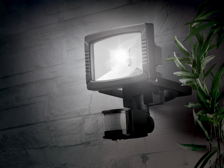projecteur led lidl france archive des offres promotionnelles. Black Bedroom Furniture Sets. Home Design Ideas
