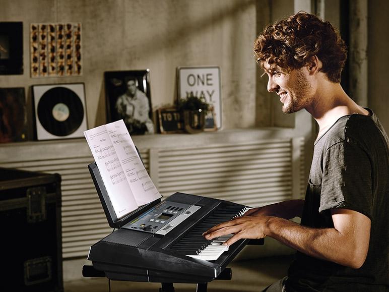 yamaha digital keyboard ypt 240 lidl great britain. Black Bedroom Furniture Sets. Home Design Ideas
